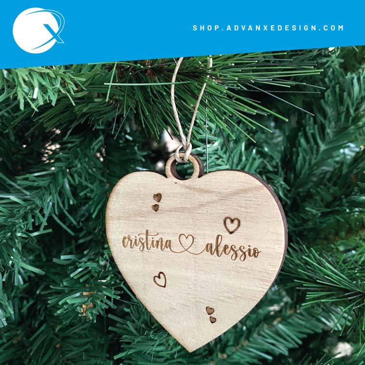 Pallina natale in legno Love